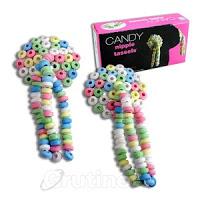 Cubre pezones con 3 hilos colgantes, todo ello hecho con cuentas de caramelo