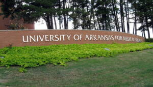 The University of Arkansas for Medical Sciences. Autor: Mmcnell. Licencia CC 3.0