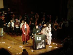 Imagen de una entrega de premios de los Ig Nobel del 2006
