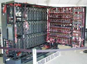 Reconstrucción de la máquina Bombe en el museo Bletchley Park