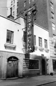 Foto de 1969 de la fachada del bar Stonewall Inn.