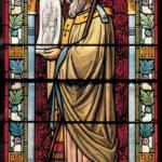 Vidriera de La iglesia de San Ireneo donde se muestra a San Potino.